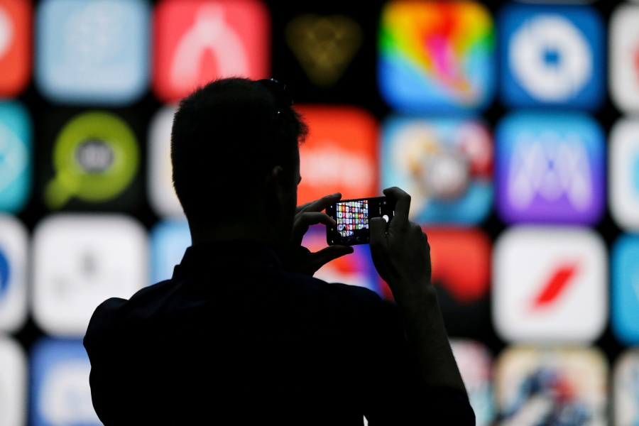Corte de EU, permite demanda contra Apple por monopolio de apps