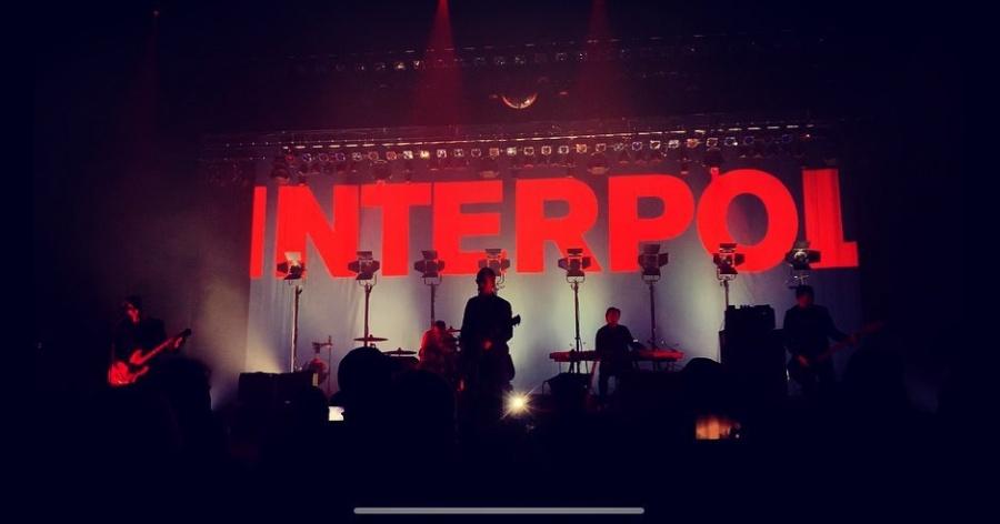 Interpol firmará autógrafos en la Ciudad de México