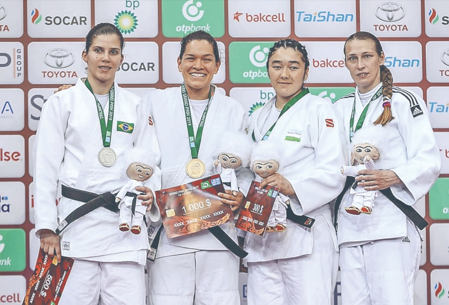 Lenia Ruvalcaba se cuelga Oro en Mundial de Bakú