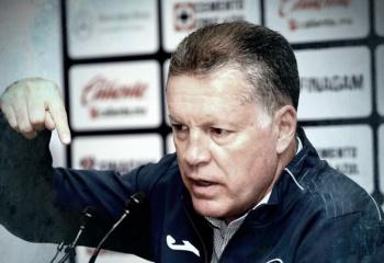 Caixinha se queda y Carlos González no llega a Cruz Azul: Ricardo Peláez
