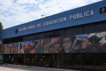 Gobierno local implementa acciones de apoyo a maestros