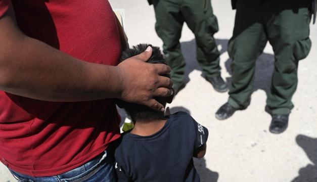 Muere niño migrante de 2 años detenido en EU