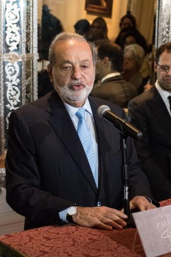 Urge Slim a fortalecer a la clase media en Latinoamérica