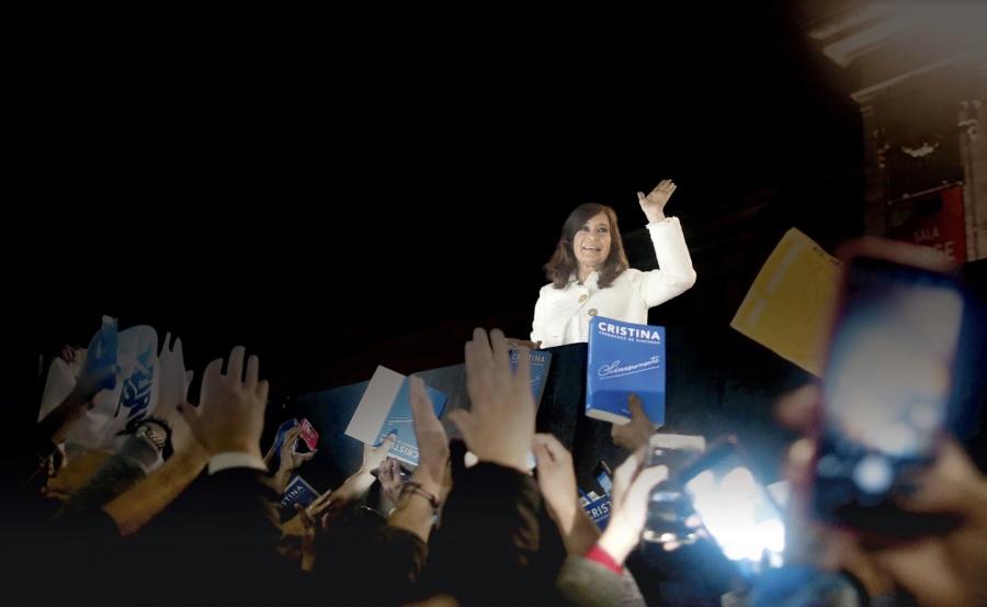 Kirchner, favorita a presidenciales, enfrenta juicio por corrupción