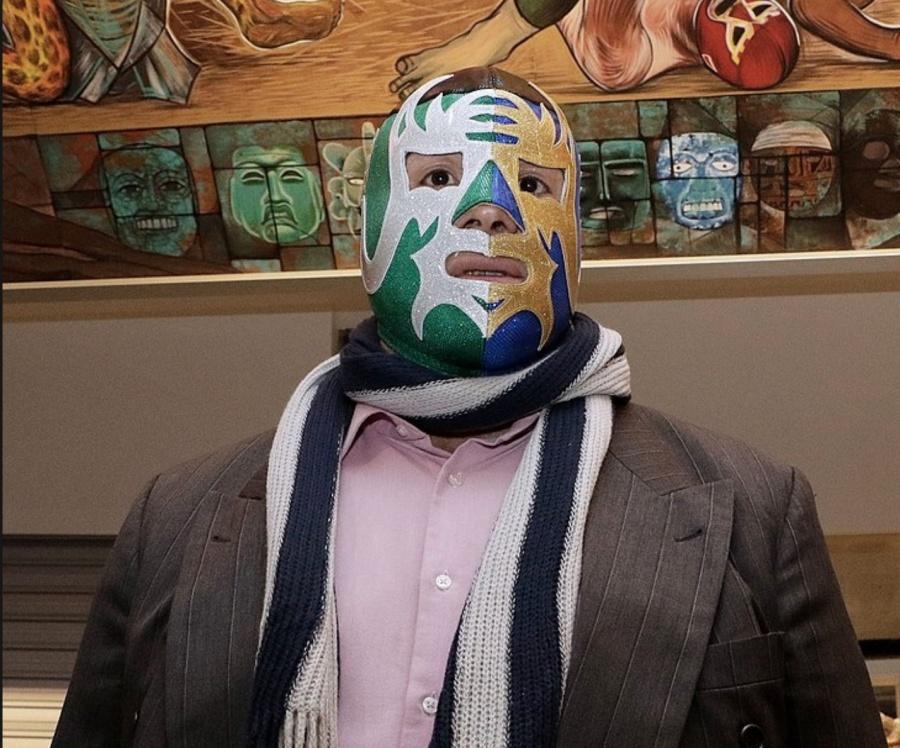 Máscara Año 2000 expone cabellera a Guerrero