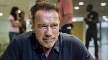 """Desconocido lanza patada voladora al actor de """"Terminator"""