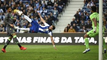 Golazo de despedida de Héctor Herrera