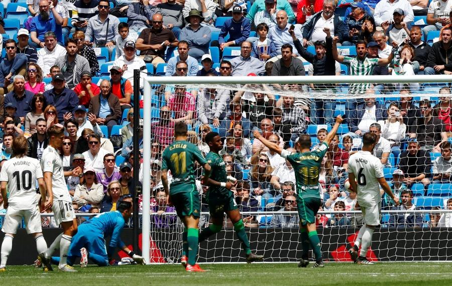 Con Guardado, Betis vence 2-0 a Real Madrid en cierre de Liga española