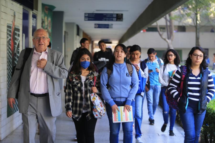 Se reanudan las clases en el Valle de México, tras contingencia ambiental