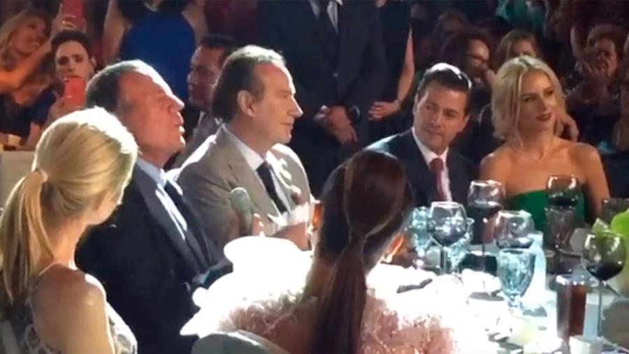 Peña Nieto y su pareja en compañía de Julio Iglesias y otros famosos