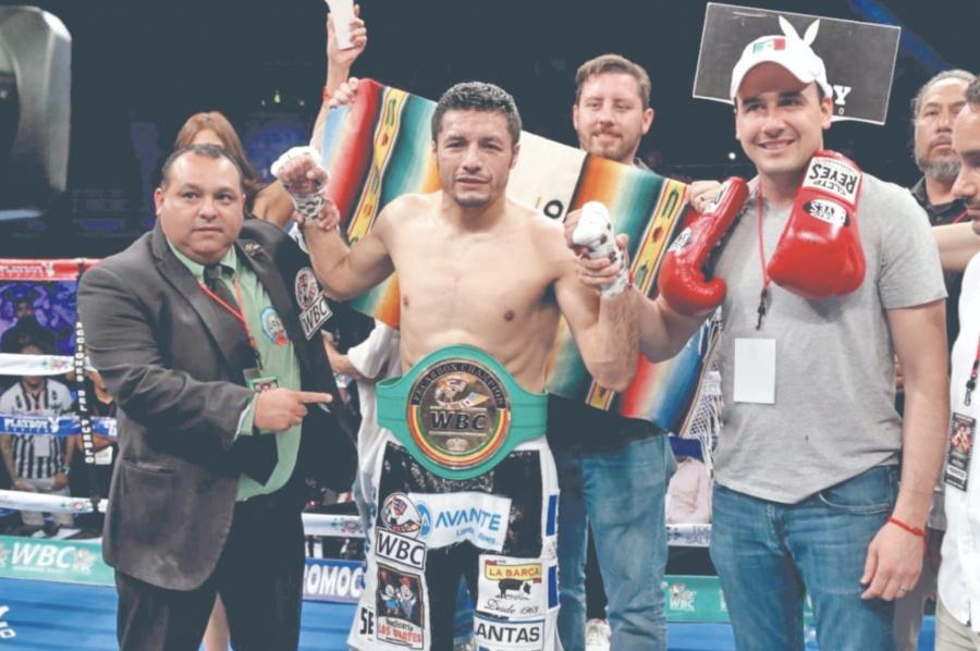 Jhonny González rescata en el quinto round su Título del CMB