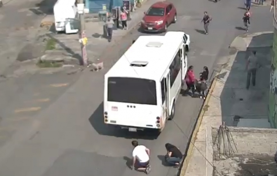 Autobús atropella a mujer en Naucalpan, Edomex