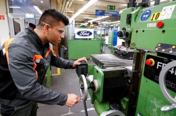 Se alista Ford para despedir a 7 mil empleados en todo el mundo