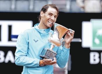 Nadal frena a Nole con título; recupera liderato en Masters