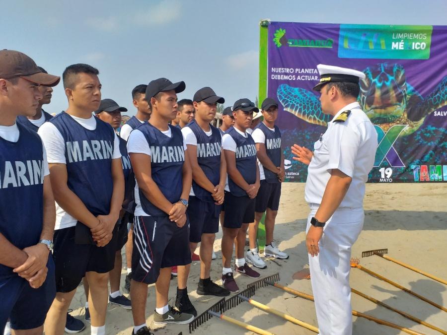 Coordina Semar limpieza en playas de Tamiahua, Veracruz