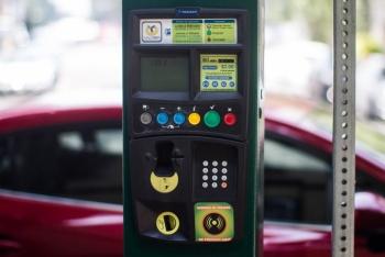 Empresas de parquímetros pagarán por daños a vehículos de usuarios