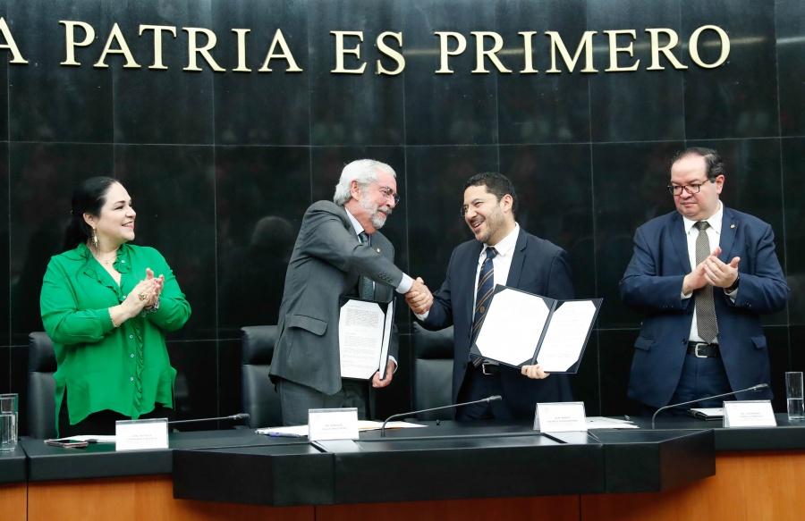 Senado y UNAM firman convenio de colaboración académica