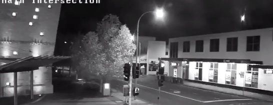 Captan caída de meteoro en Australia
