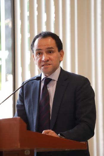 Motivos administrativos en renuncia de Germán Martínez: Hacienda