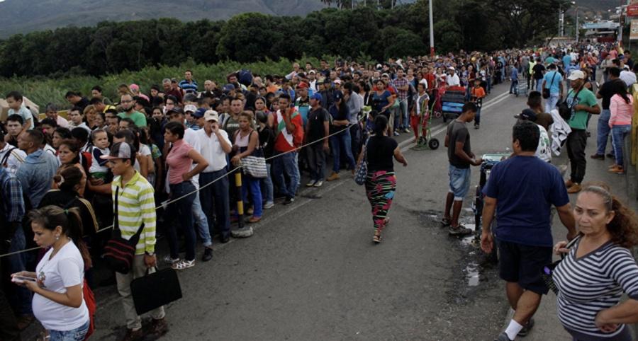 Emigran 5 mil venezolanos diarios