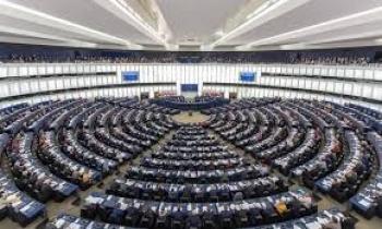 Inician elecciones Parlamento Europeo en Reino Unido y Países Bajos