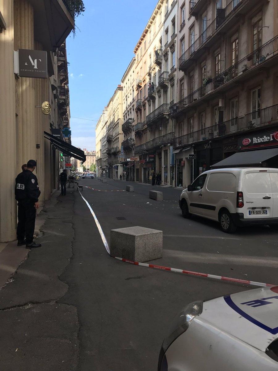 Buscan a hombre que habría dejado paquete-bomba en calles de París