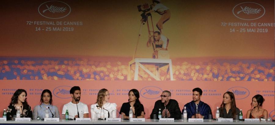 """Kechiche causa polémica en Cannes con film """"porno"""""""