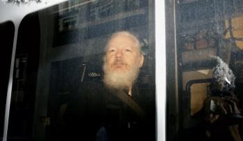 EU lanza 17 cargos contra Assange