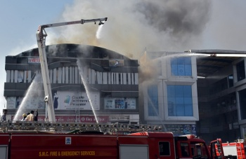 Incendio cobra la vida de estudiantes en la India