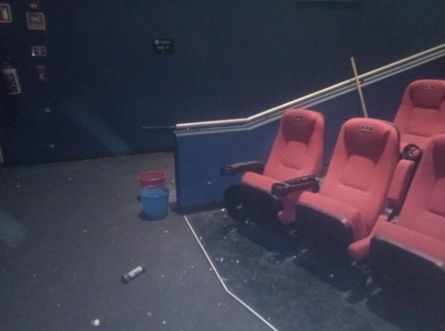 Artefacto explosivo deja un lesionado en Cinemex de la GAM