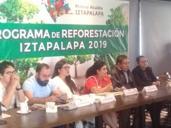 Programa de reforestación servirá para eliminar déficit de áreas verdes en Iztapalapa: Clara Brugada