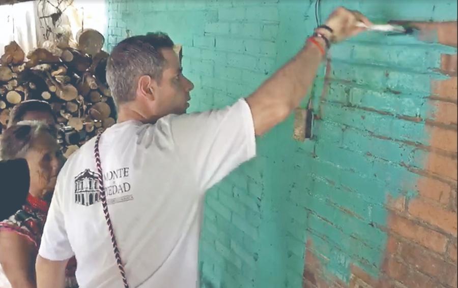 Murat se suma a campaña de reforestación en Oaxaca