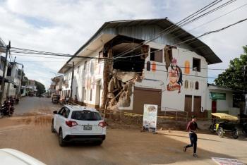 Suman dos muertos por fuerte sismo en Perú