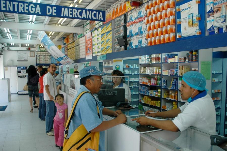 Buscan diputados hacer deducibles medicamentos