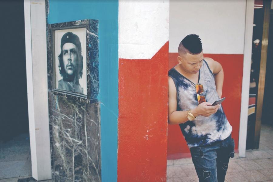 Cuba se abre al wifi privado, pero bajo control del Estado