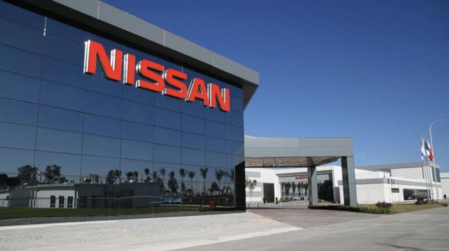 Nissan avala fusión entre Chrysler y Renault