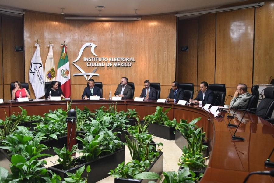 Analizan papel de partidos políticos en la vida democrática de la CDMX