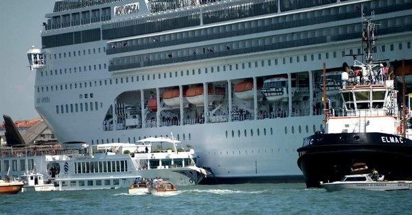 Se desata pánico en Venecia por crucero