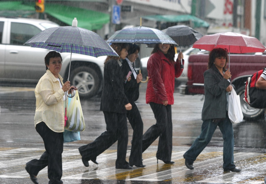 Clima: Domingo de tormentas en gran parte del país