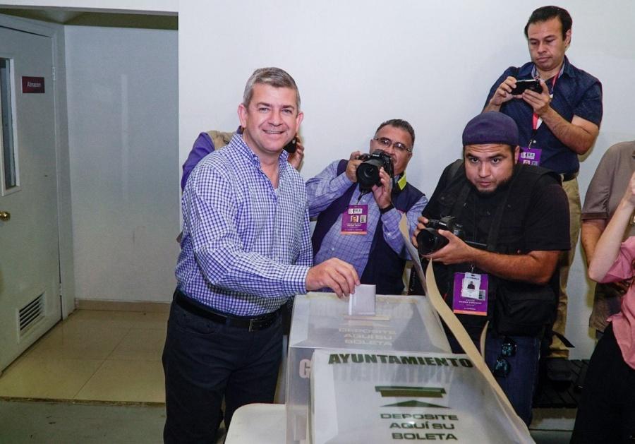 Vega Marín invita a votar por la opción que más aporte al futuro de Baja California