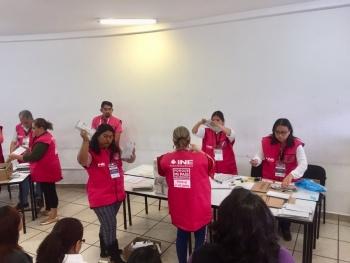 Comienza el conteo de votos de poblanos en el extranjero