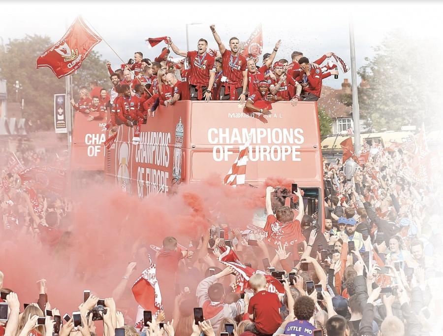Liverpool reúne 750 mil personas en festejos de sexto campeonato