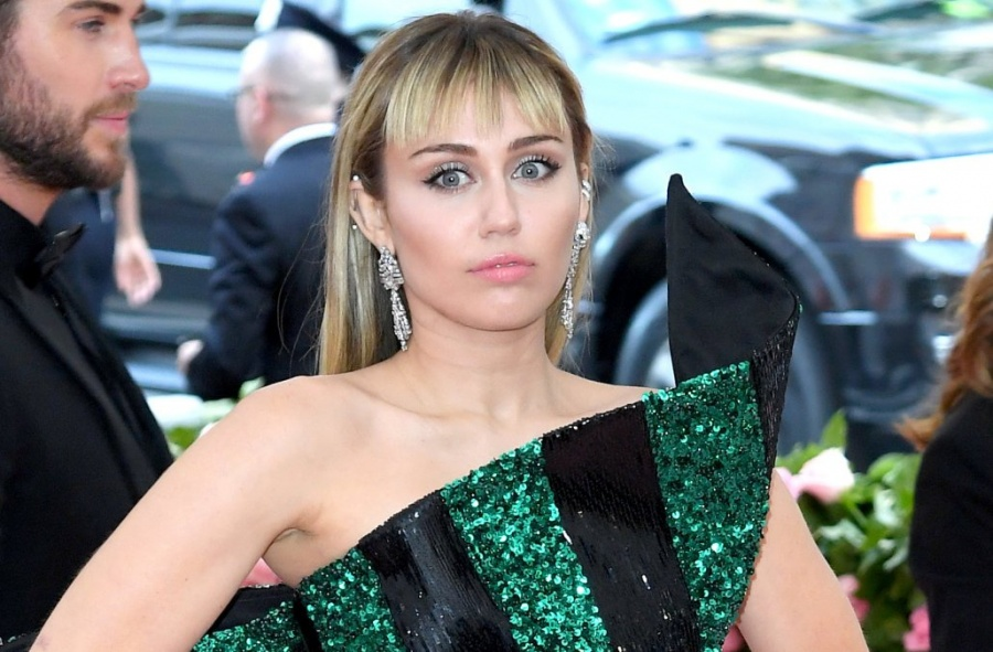 Miley Cyrus es acosada en Barcelona