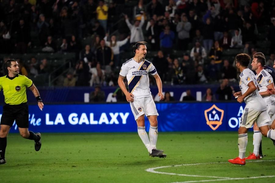 Ibrahimovic sorprende con chilena ante New England Revolution