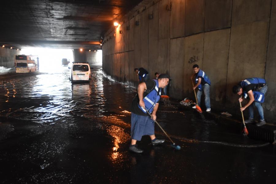 Atienden encharcamientos por lluvias en CDMX