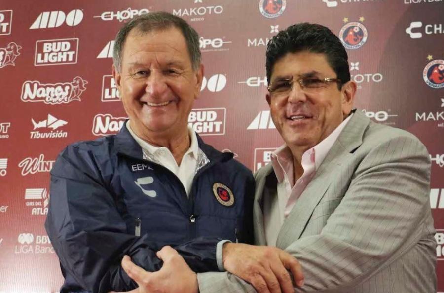 Veracruz presenta a Enrique Meza como su nuevo técnico