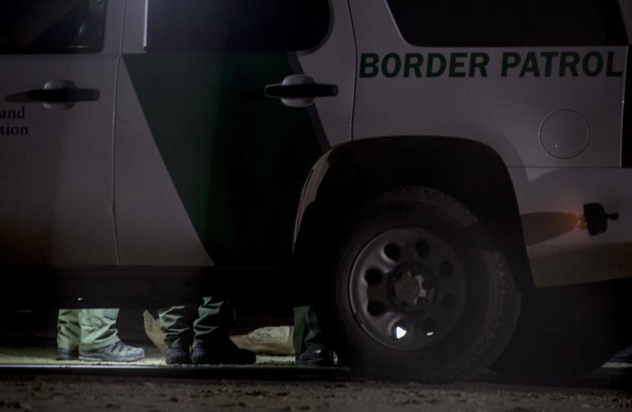 Agentes de EU matan a sujeto en frontera con México