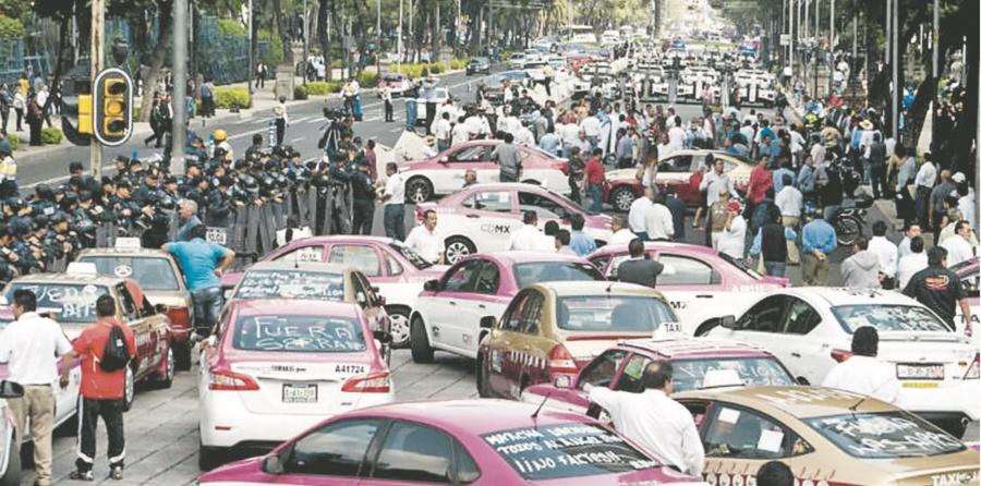 Los Taxistas toman avenidas por Apps