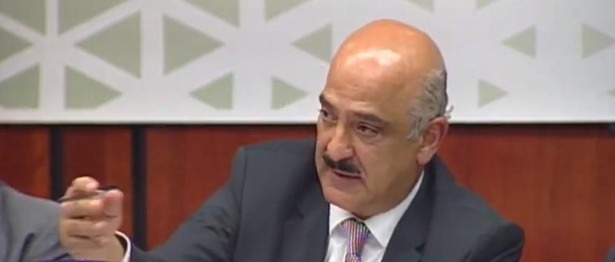 Ratifican en Comisión a Ricardo Ahued al frente de Aduanas, promete honestidad y sencillez