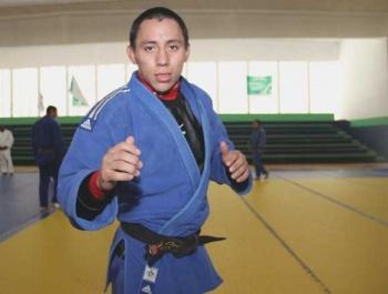 """""""Me dan menos que a los ninis"""": medallista reclama a Conade reducción de beca"""